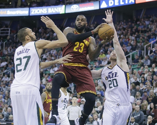 Hayward helps Jazz hold off LeBron, beat Cavs 100-92 The Associated Press