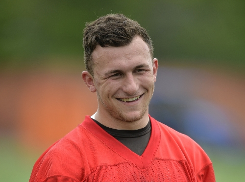 Former Browns QB Manziel to offer photos with fans, at a price