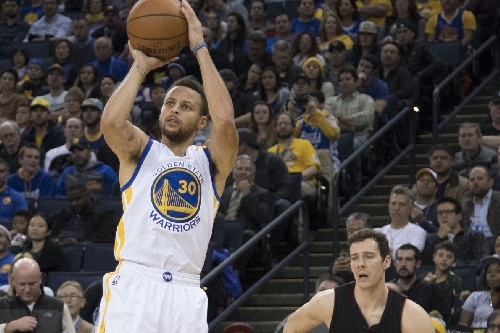 Warriors mix it up in win over Heat