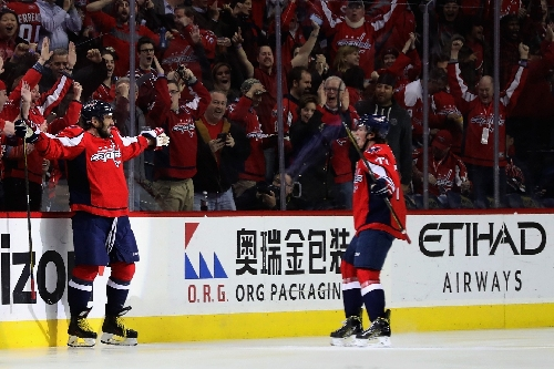 Ovechkin passes 1,000 NHL points in Capitals' win