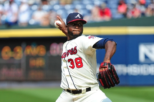 Braves still have arbitration decision to make on pair of relievers