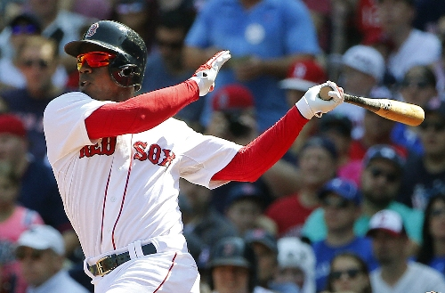 Rusney Castillo, Boston Red Sox's $72.5M man, changed position in box, more relaxed with family with him from Cuba