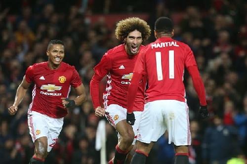 Manchester United midfielder Marouane Fellaini deserves his new contract