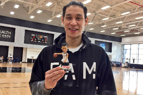 """Jeremy Lin tells Chinese TV he """"hopes"""" to be back """"within one, a couple of weeks''"""