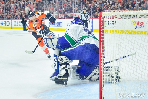 Flyers vs. Canucks recap: Two points all count the same