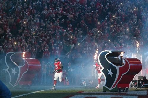 Texans LT Duane Brown is back, but Patriots can still exploit weak offensive line