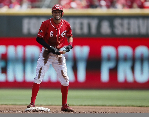 Reds avoid arbitration with Hamilton, Cozart and two more