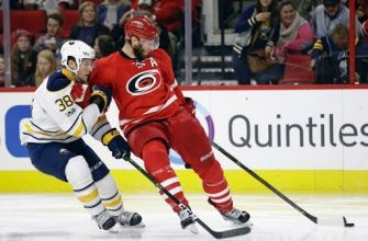 Skinner keeps Canes rolling at home with win over Sabres