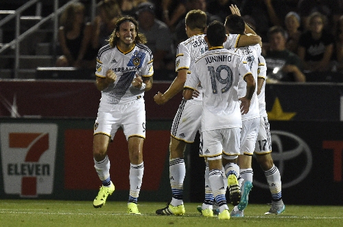 Rapids closing in on deal with free-agent striker Alan Gordon