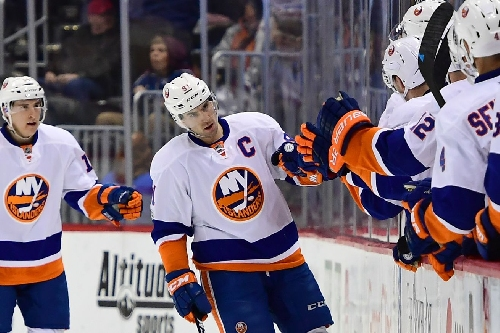 Tavares nets three in Islanders 5-2 win over Panthers