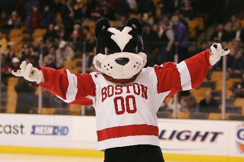 Boston University slams the door in third period, defeats Boston College 2-1
