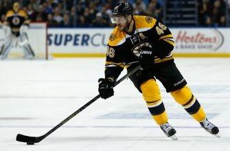 Boston Bruins Forward David Krejci Records 500th Point