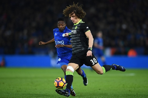 David Luiz still hasn't recovered from Sergio Aguero's assault on his knee