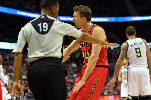 Bucks vs Hawks final score: Kent Bazemore, Mike Dunleavy lead Atlanta over Milwaukee