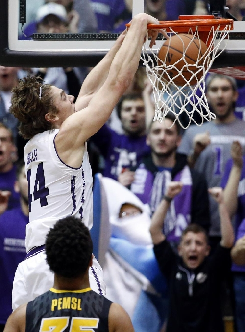 Lindsey, Northwestern roll to easy win over Iowa The Associated Press