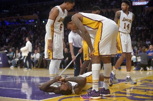 Lakers News: Jordan Clarkson, Tarik Black both sprain ankles