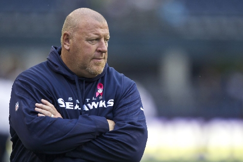 Former Tom Cable player gives coach endorsement, says Seahawks o-line will be much better next year