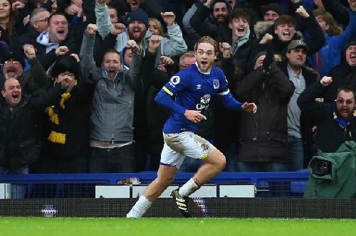 Michael Ball: Davies' first Everton goal gave me goosebumps