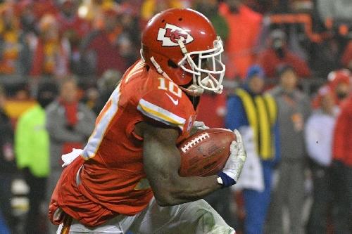 Four Kansas City Chiefs players make PFWA all-NFL team