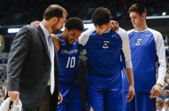 No. 7 Creighton loses point guard Watson to knee injury