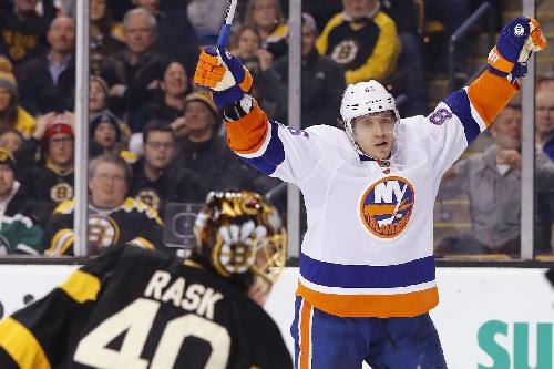Islanders 4, Bruins 0: Isles, Greiss rebound for franchise's first shutout in Boston