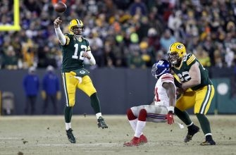 New England Patriots: Tom Brady Impressed by Aaron Rodgers