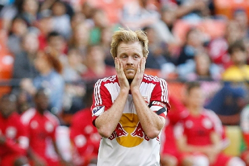 Official: Dax McCarty traded from New York Red Bulls to Chicago Fire for $400,000 allocation money