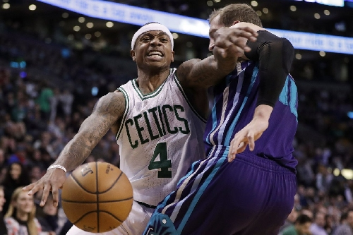 Isaiah shows the Hornets what time it is, Celtics win 108-98