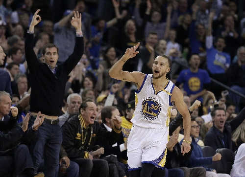 Warriors rout defending champion Cavaliers 126-91 in rematch The Associated Press