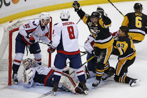 It was 'weird' but Penguins end losing streak with 8-7 win over Capitals
