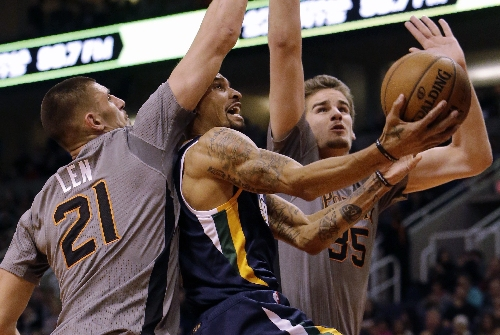 Johnson's big 4th quarter gives Jazz 106-101 win over Suns The Associated Press
