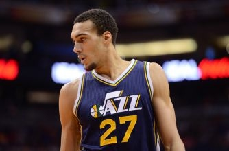 Rudy Gobert comes up with game-saving block (Video)