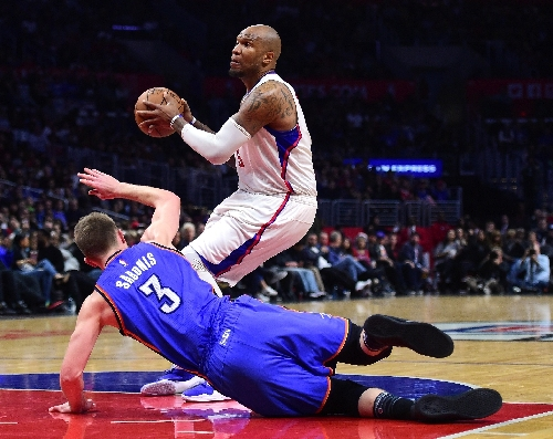 Clippers silence Thunder despite Paul injury