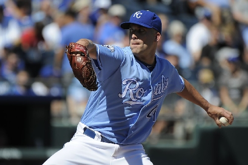 Danny Duffy signs contract extension with Royals, who are still a problem in the AL Central