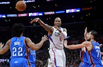 Clippers rout Thunder, remain undefeated in 2017