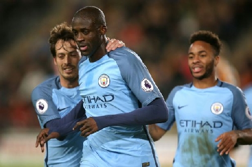 Yaya Toure turns down huge Chinese offer and hopes for new Man City deal