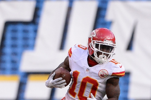 Chiefs' Tyreek Hill selected to 3 positions on PFWA's all-rookie team