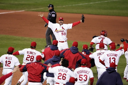 Adam Wainwright helps raise $40K with charity karaoke event - A Hunt and Peck