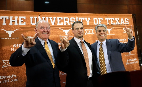 Texas AD Mike Perrin releases statement defending hire of staunch Art Briles defender Casey Horny