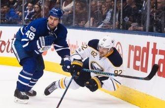 Matthews caps 3-goal burst, Leafs beat Sabres 4-3