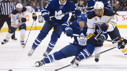 Rielly injured in Leafs close win over Sabres