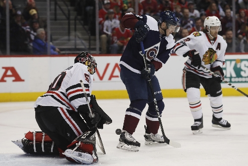 Hinostroza rallies Blackhawks to 6-4 win over Avalanche The Associated Press