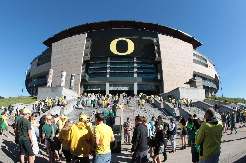 Several Oregon football players hospitalized after strength and conditioning workouts
