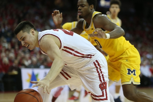 Michigan Basketball falls at Wisconsin