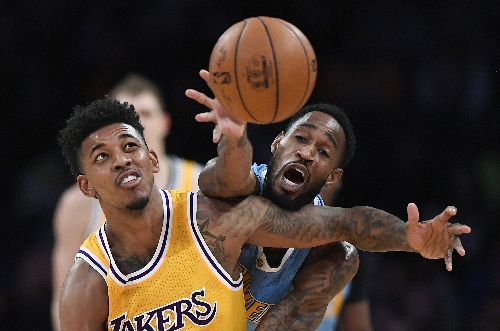 Jokic scores 29, Nuggets hold off struggling Lakers 127-121 The Associated Press