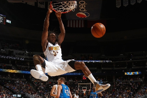 Kenneth Faried is the king of short corner gravity