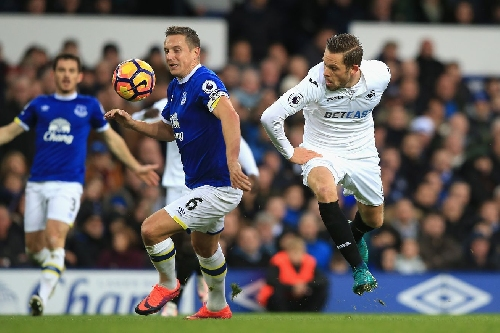 Sigurdsson to stay at Swansea City