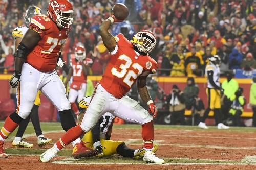 Arrowheadlines: Chiefs on all-rookie team, the wrong Eric Fisher, Pro Bowl news