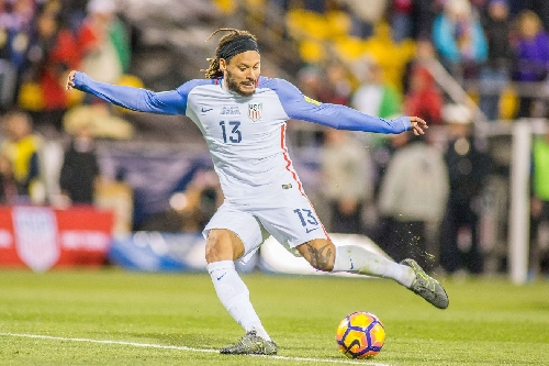 Jermaine Jones officially signs with LA Galaxy