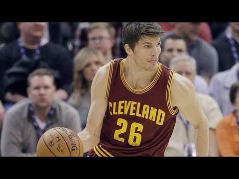 Kyle Korver 'getting better and better' at understanding role within Cavaliers' offense